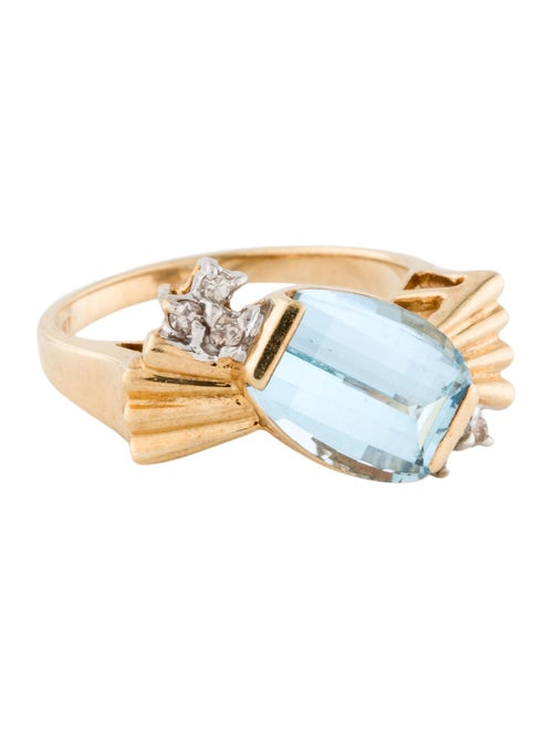 Ring 14K Topaz & Diamond Cocktail Ring yellow