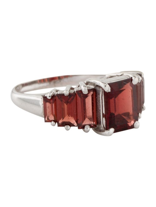 Ring 14K Garnet Cocktail Ring White