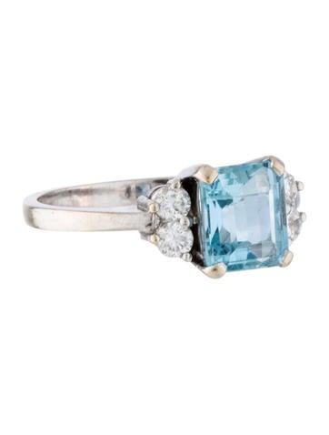 Aquamarine & Diamond Ring None