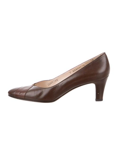 Salvatore Ferragamo Leather Pumps Brown