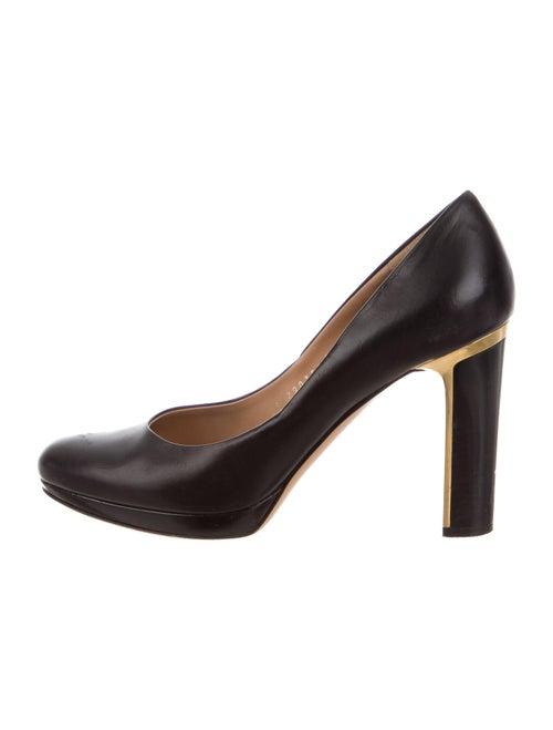 Salvatore Ferragamo Leather Round-Toe Pumps Black