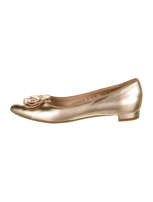 Salvatore Ferragamo Leather Flats Gold