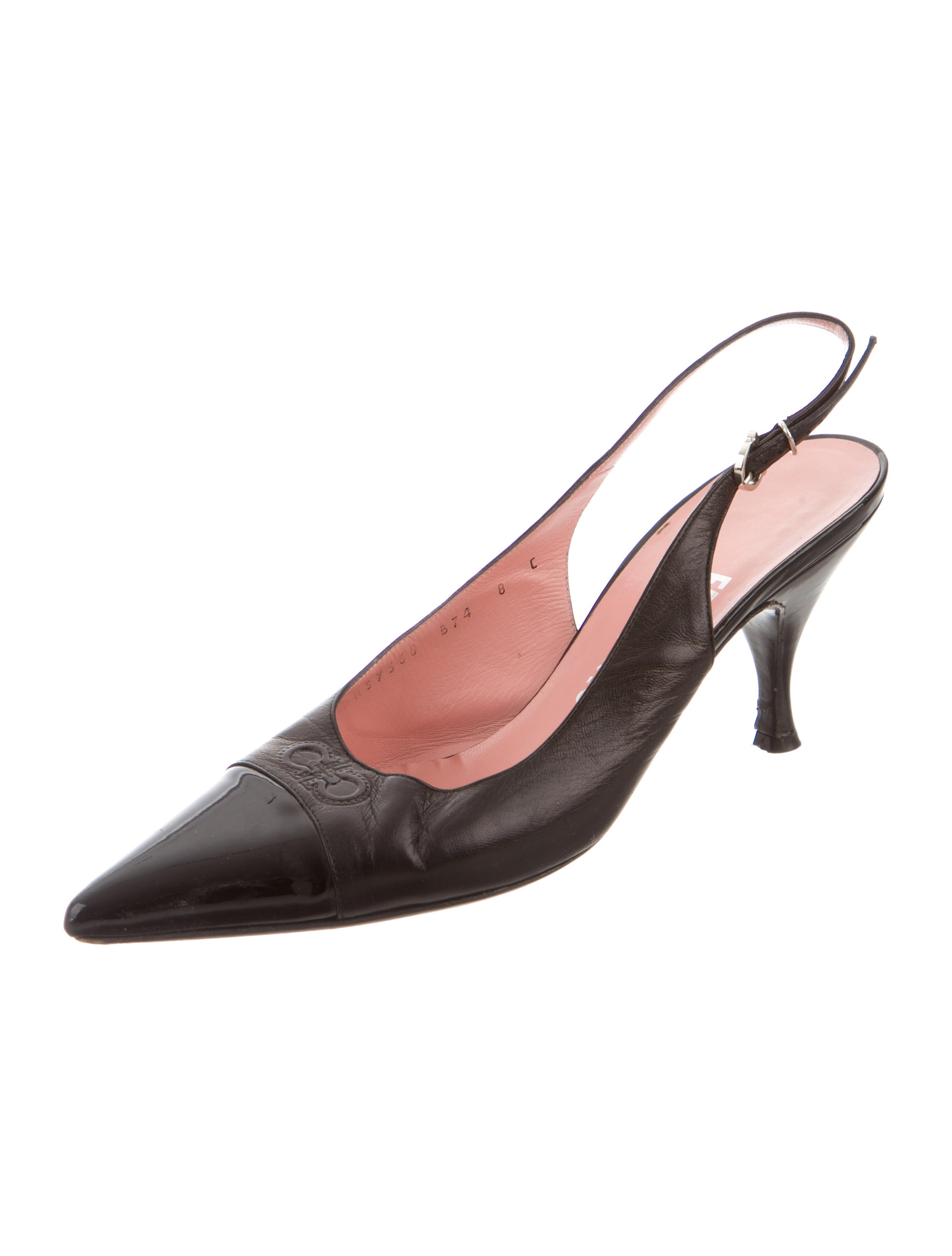 salvatore ferragamo cap toe slingback pumps shoes sal37867 the realreal. Black Bedroom Furniture Sets. Home Design Ideas