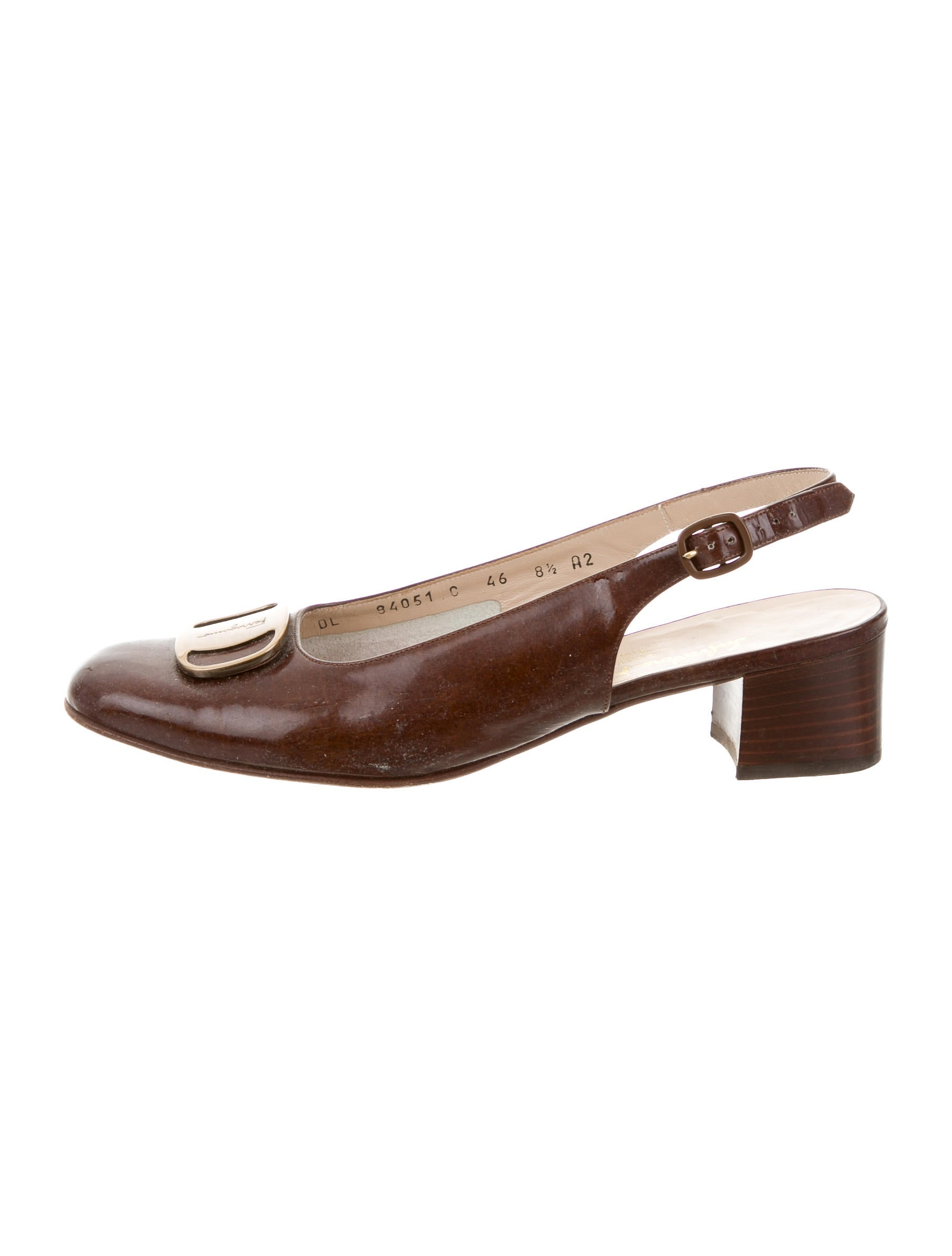 salvatore ferragamo logo slingback pumps shoes sal37926 the realreal. Black Bedroom Furniture Sets. Home Design Ideas