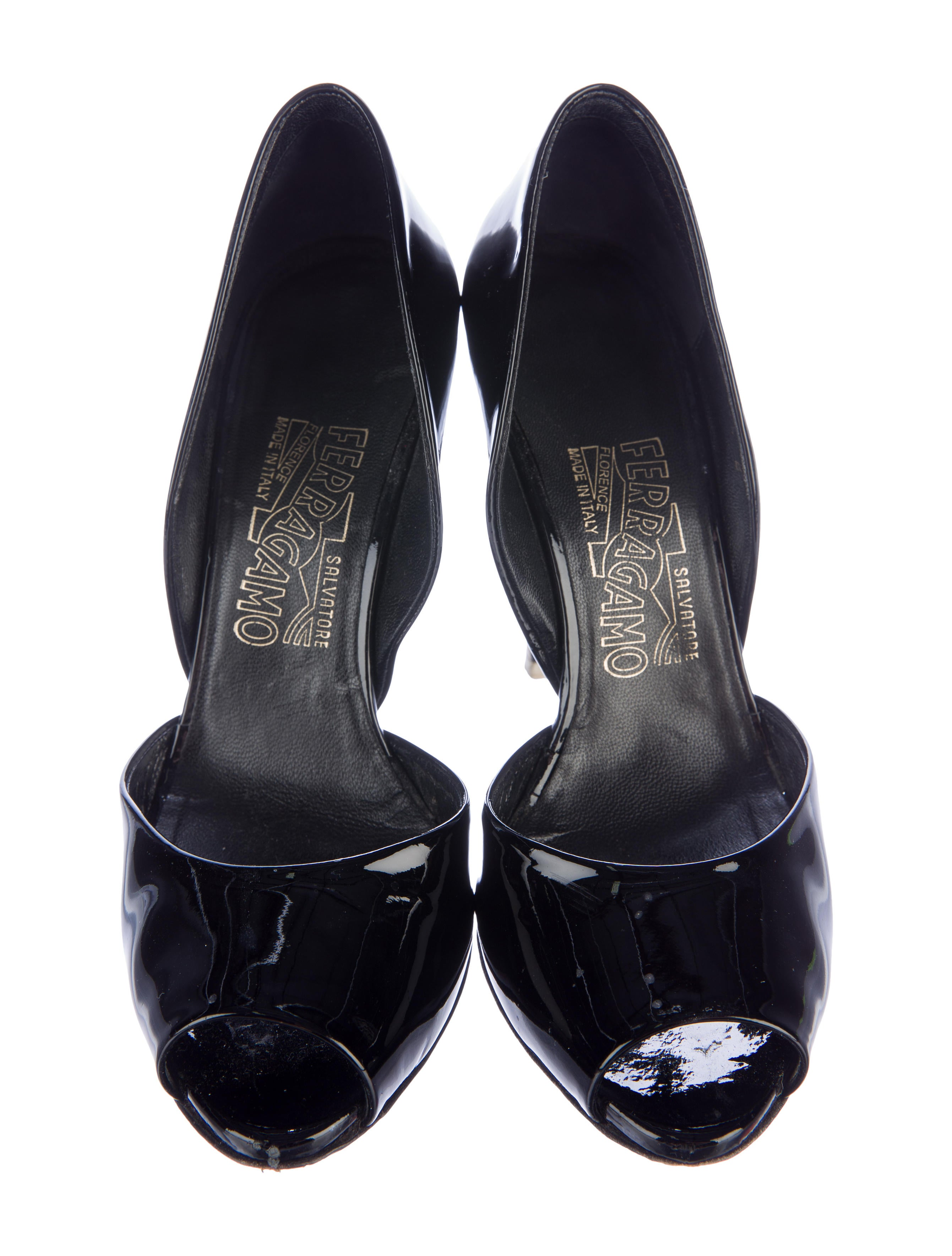 salvatore ferragamo patent leather peep toe pumps shoes sal43670 the realreal. Black Bedroom Furniture Sets. Home Design Ideas