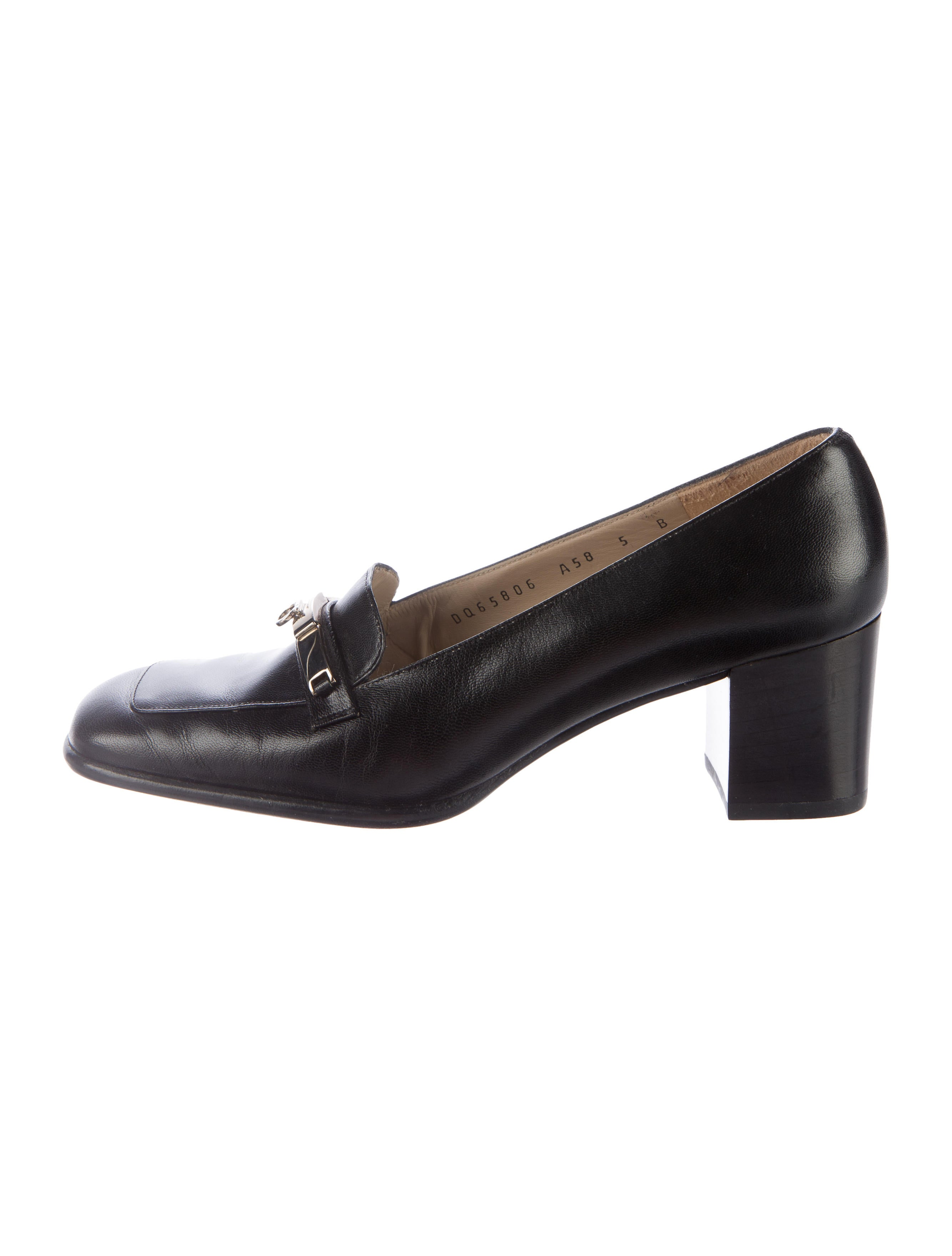 Eclectic Decor Salvatore Ferragamo Leather Gancio Loafer Pumps Shoes