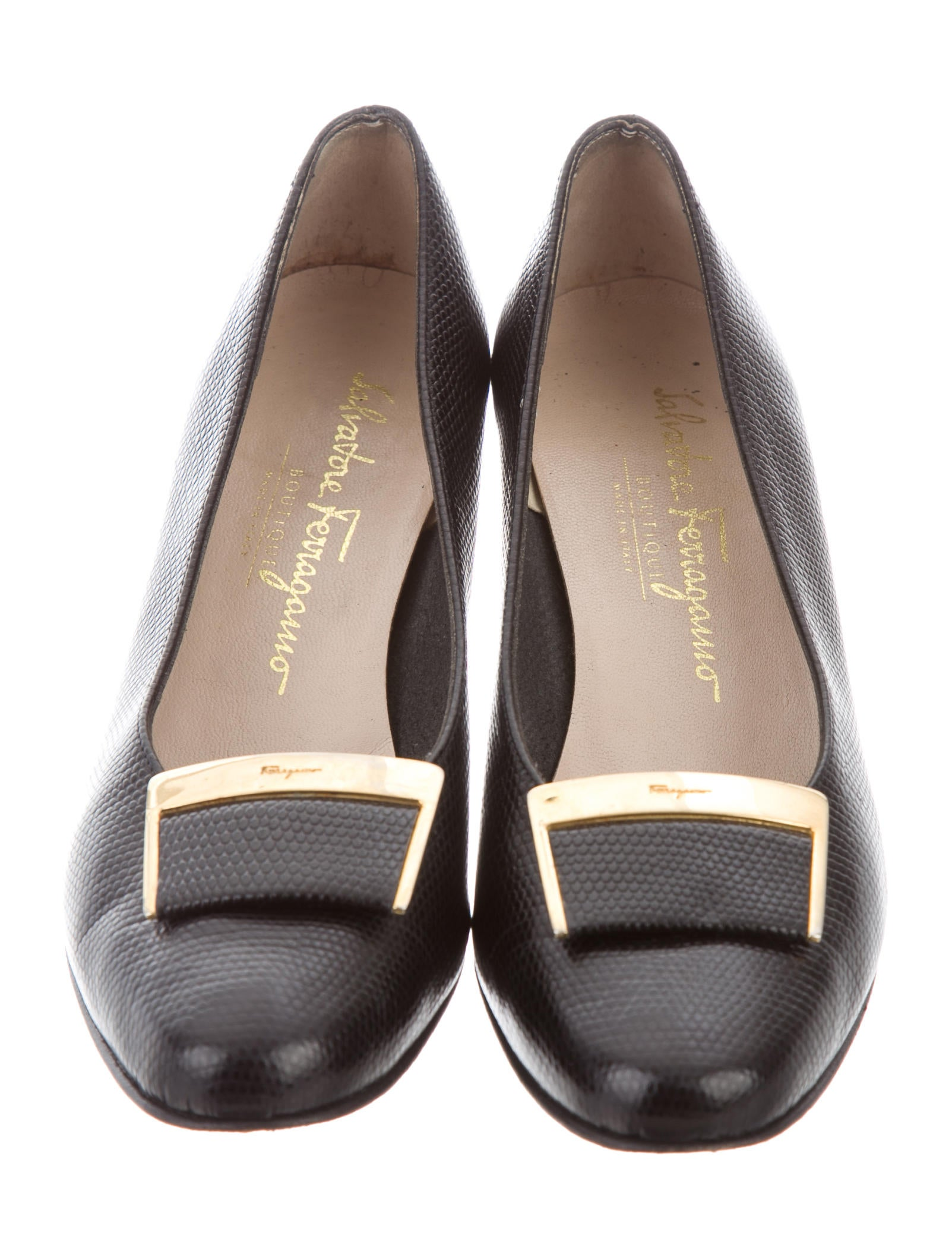 salvatore ferragamo embossed leather pumps shoes sal47484 the realreal. Black Bedroom Furniture Sets. Home Design Ideas