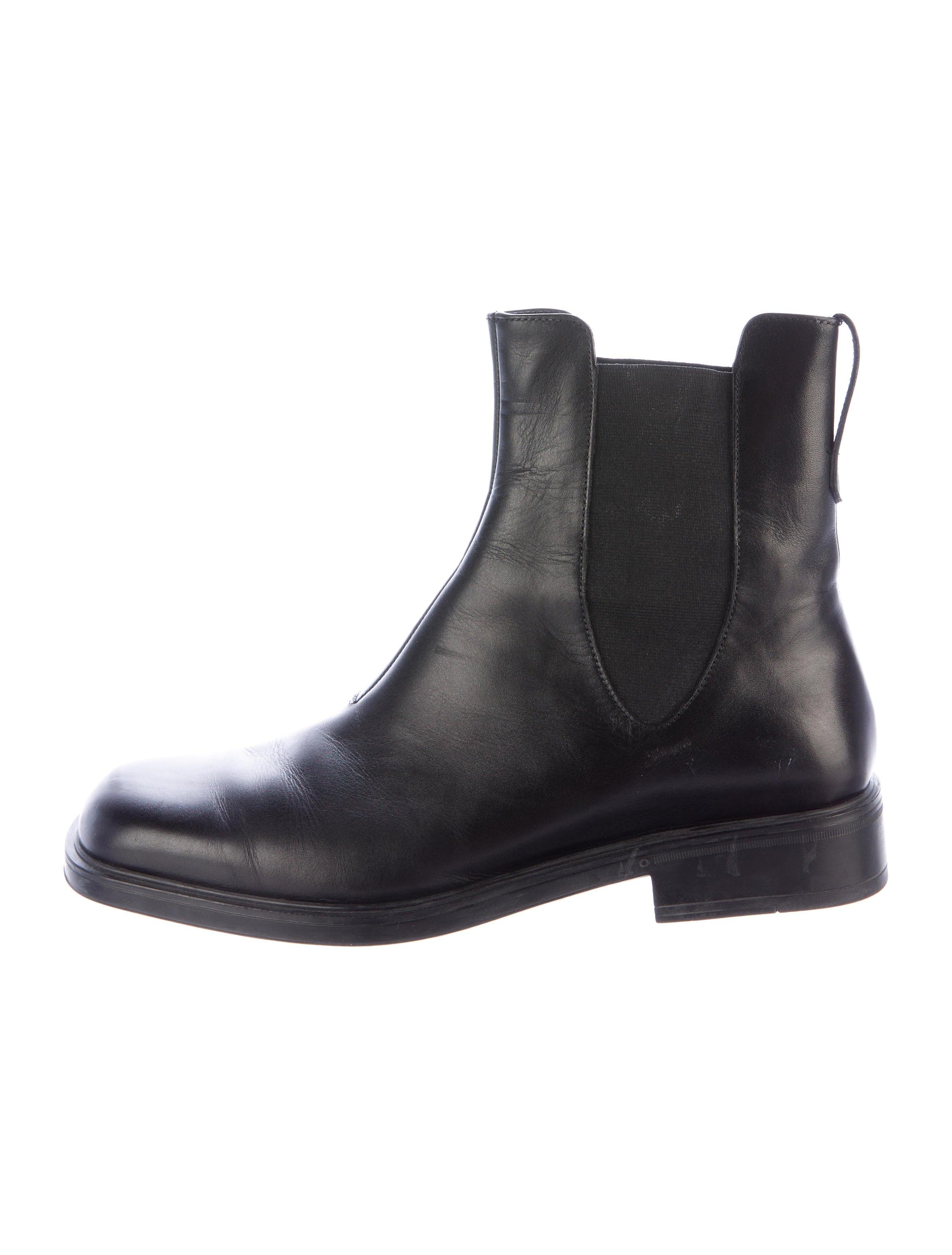salvatore ferragamo leather chelsea boots shoes