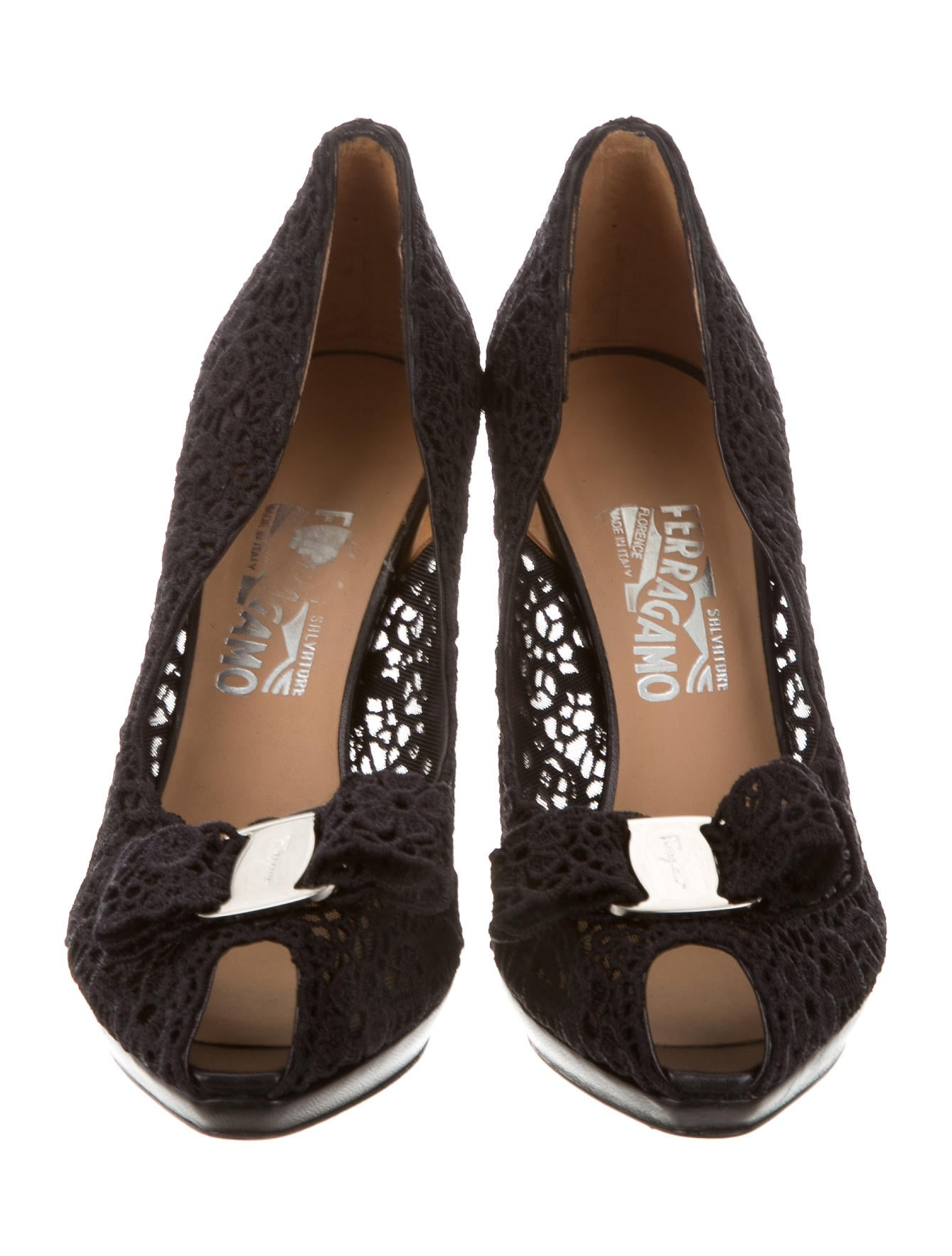 salvatore ferragamo vara lace pumps shoes sal49874 the realreal. Black Bedroom Furniture Sets. Home Design Ideas
