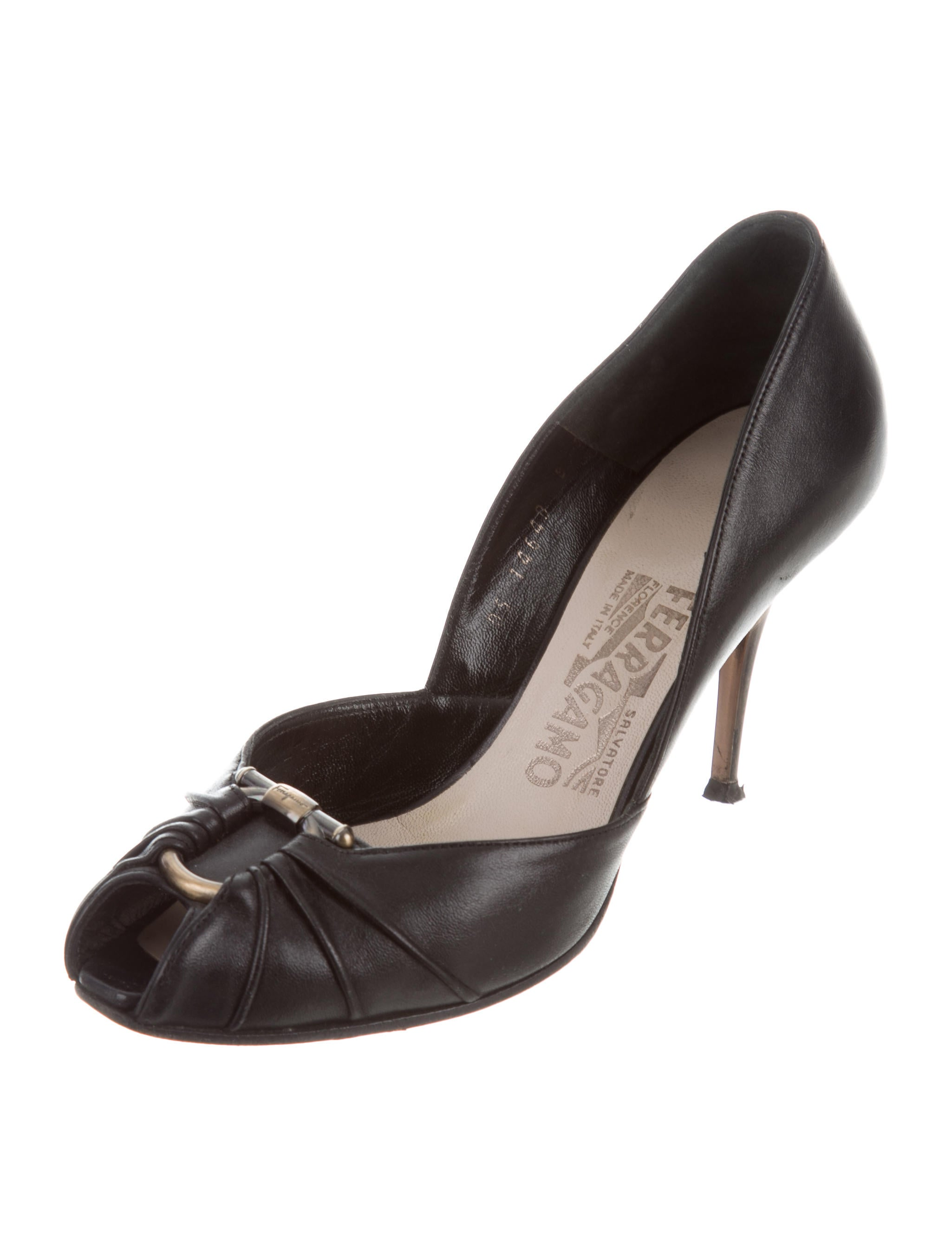salvatore ferragamo leather peep toe pumps shoes sal49977 the realreal. Black Bedroom Furniture Sets. Home Design Ideas