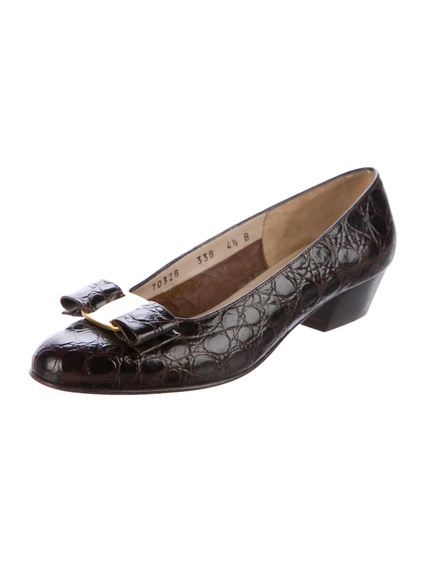 salvatore ferragamo vara embossed pumps shoes sal53146 the realreal. Black Bedroom Furniture Sets. Home Design Ideas
