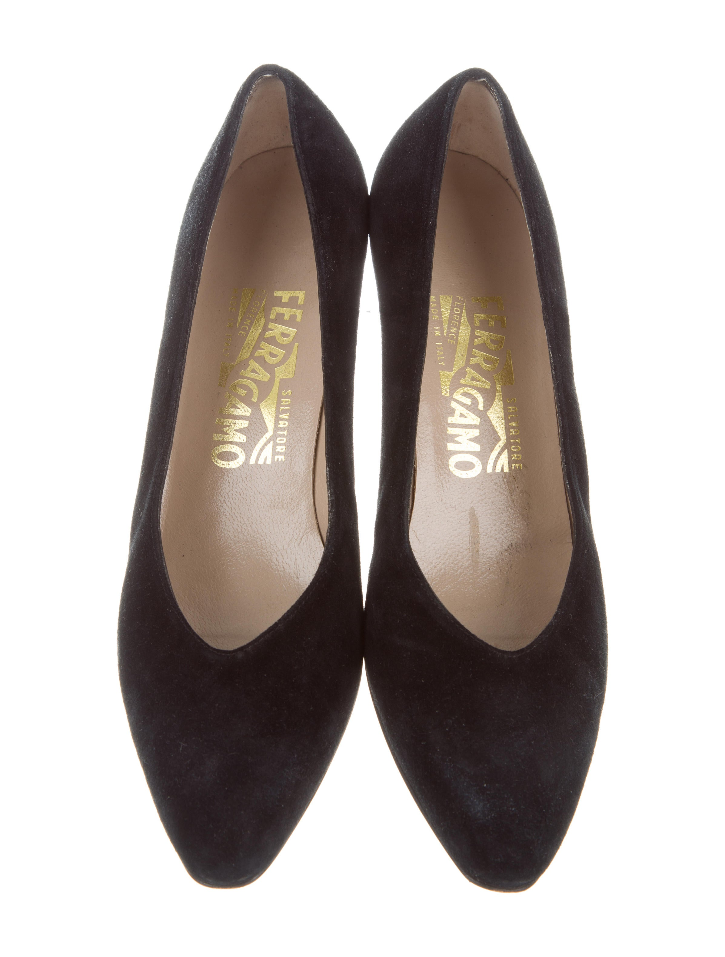 salvatore ferragamo suede pointed toe pumps shoes sal53259 the realreal. Black Bedroom Furniture Sets. Home Design Ideas