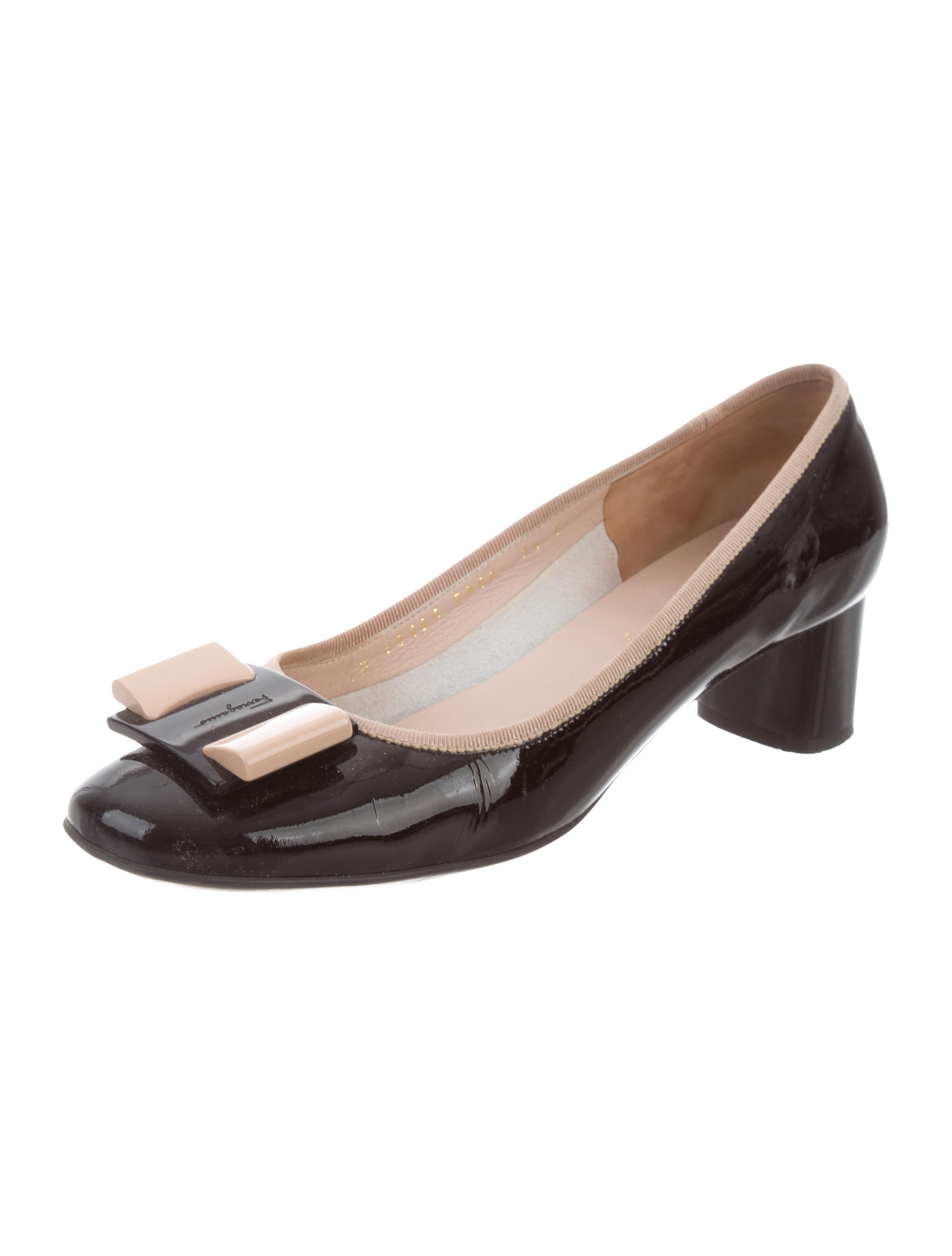 Salvatore Ferragamo My Flair Round-Toe Pumps from china free shipping low price cheap marketable pGTpyD7