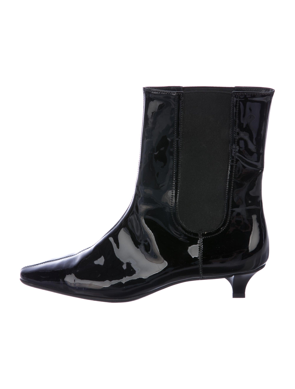 Salvatore Ferragamo Patent Leather Ankle Boots 100% guaranteed cheap price MyaeRe
