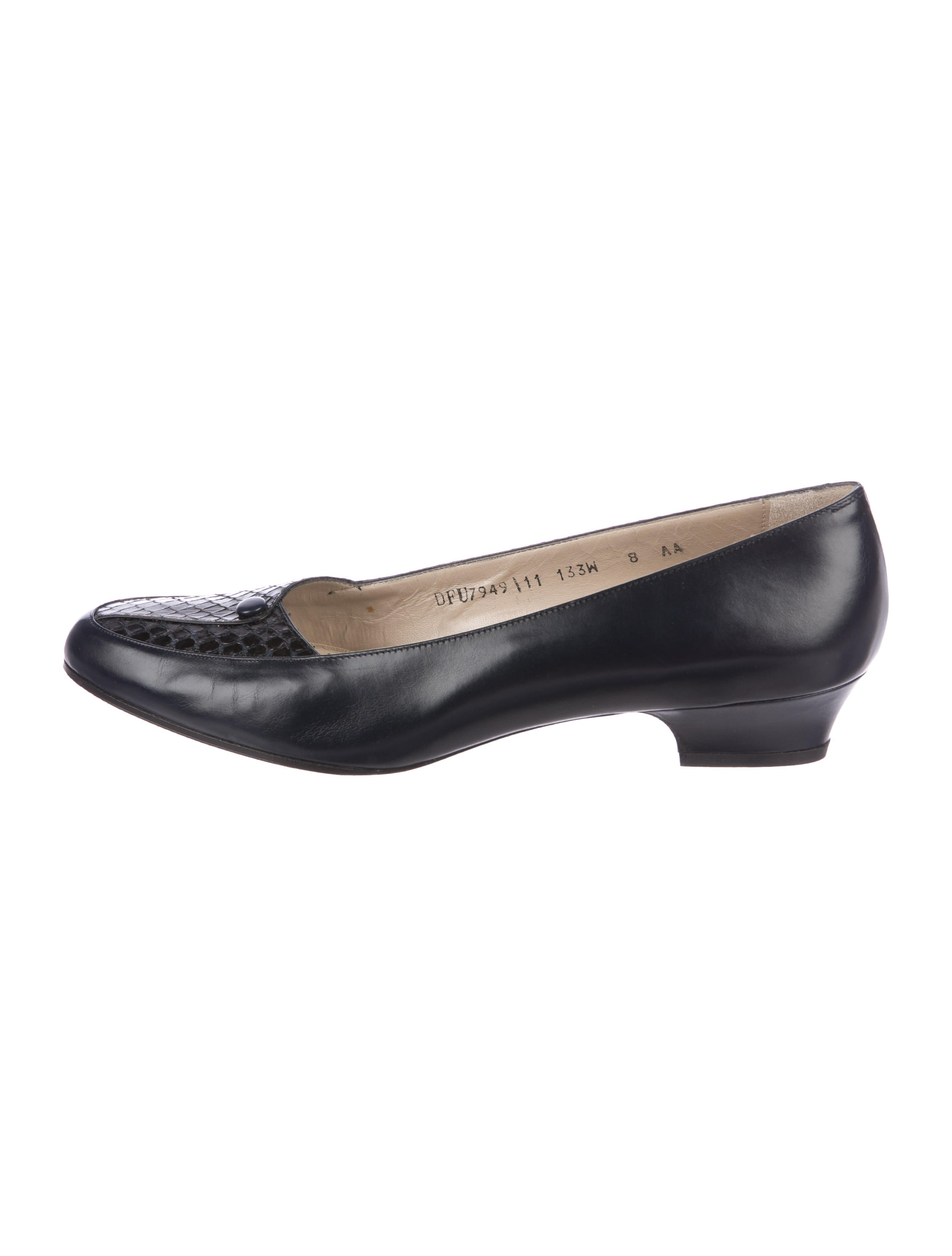 Salvatore Ferragamo Fiandra Leather Pumps pay with visa cheap price with credit card free shipping reliable sale online nhk9vO3