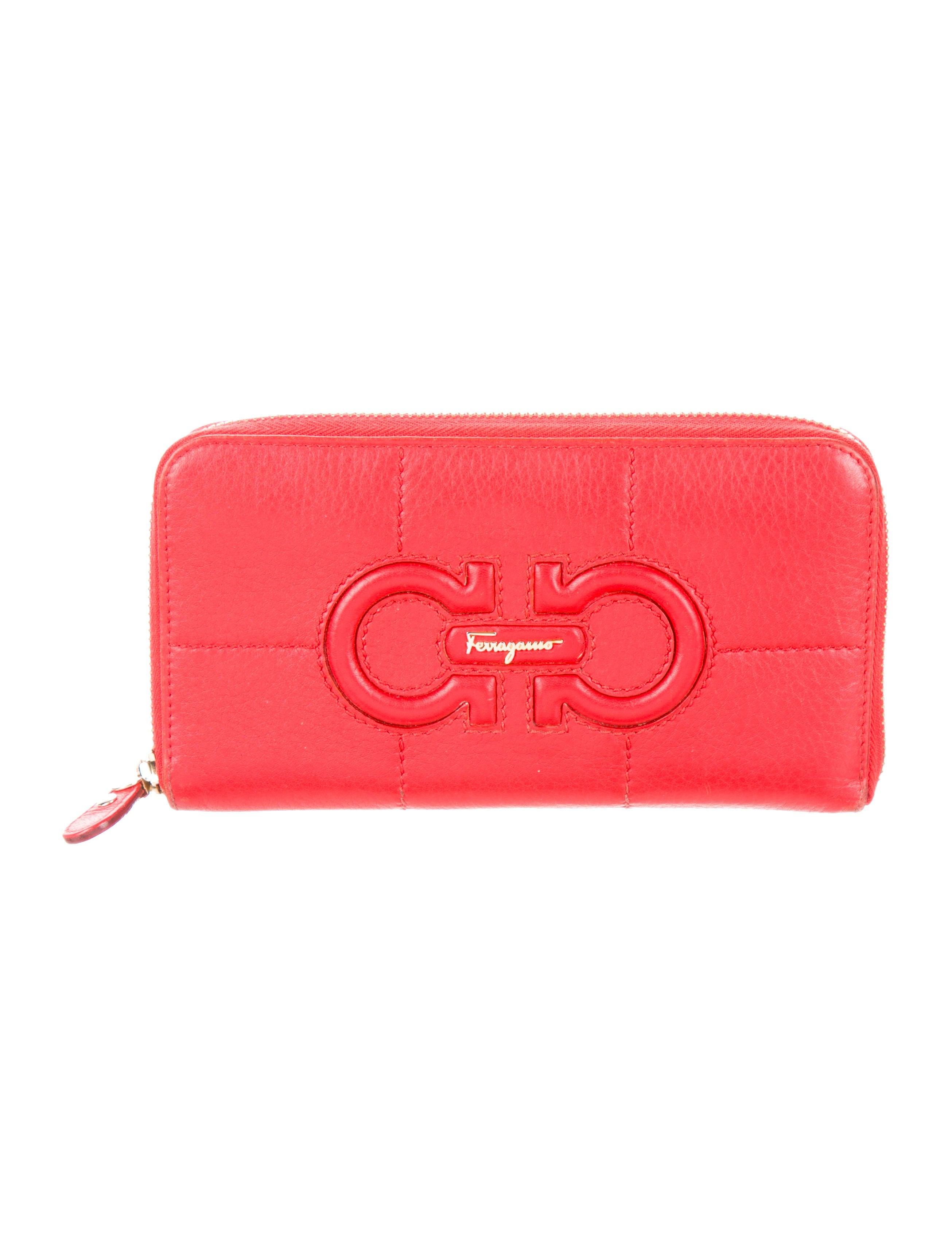 Gancini zip-around wallet - Red Salvatore Ferragamo Discounts Cheap Online New Discount 2018 Unisex SnWm1