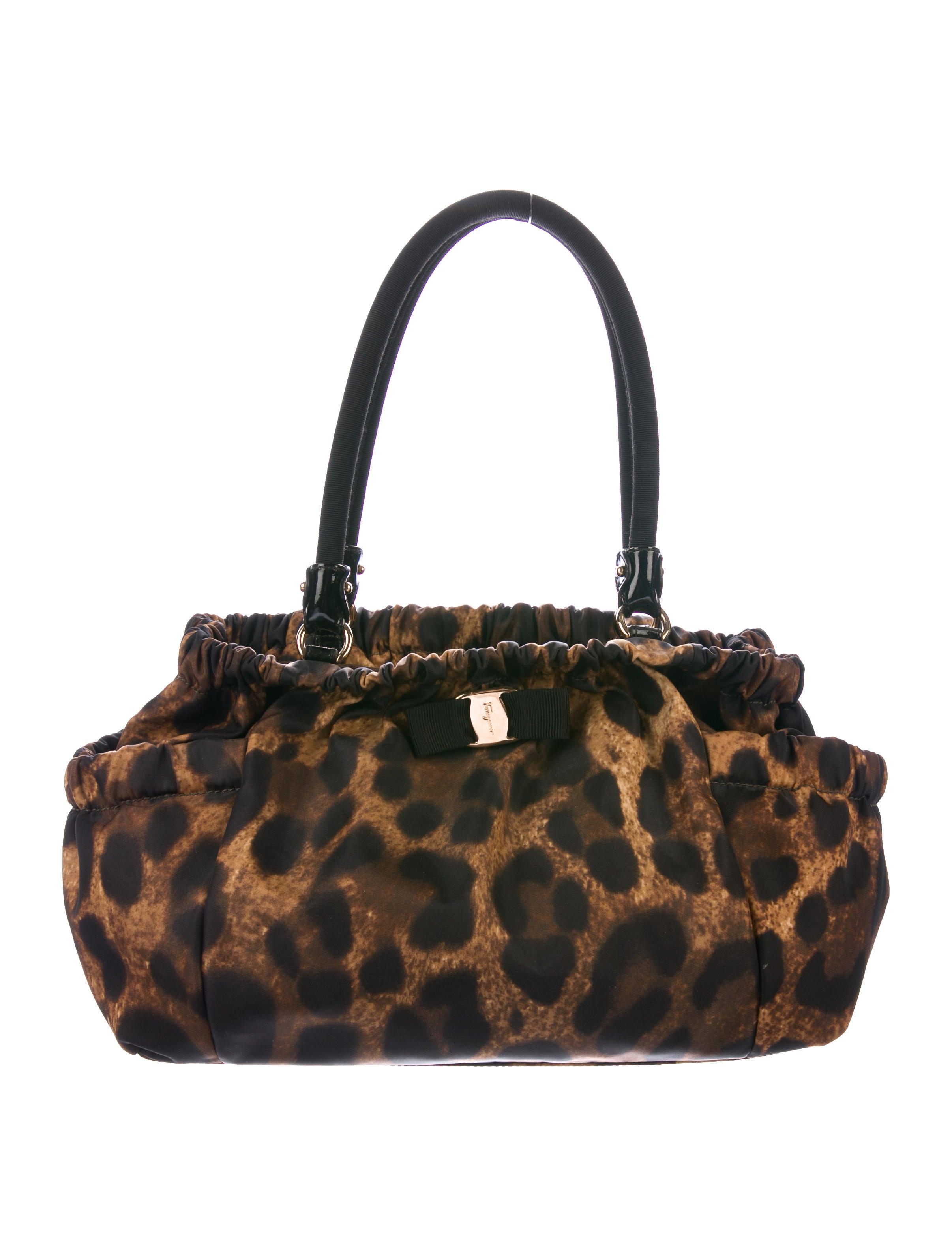 34612cee376a Nylon Leopard Print Bag Shoulder Ferragamo Salvatore wft5gg ...