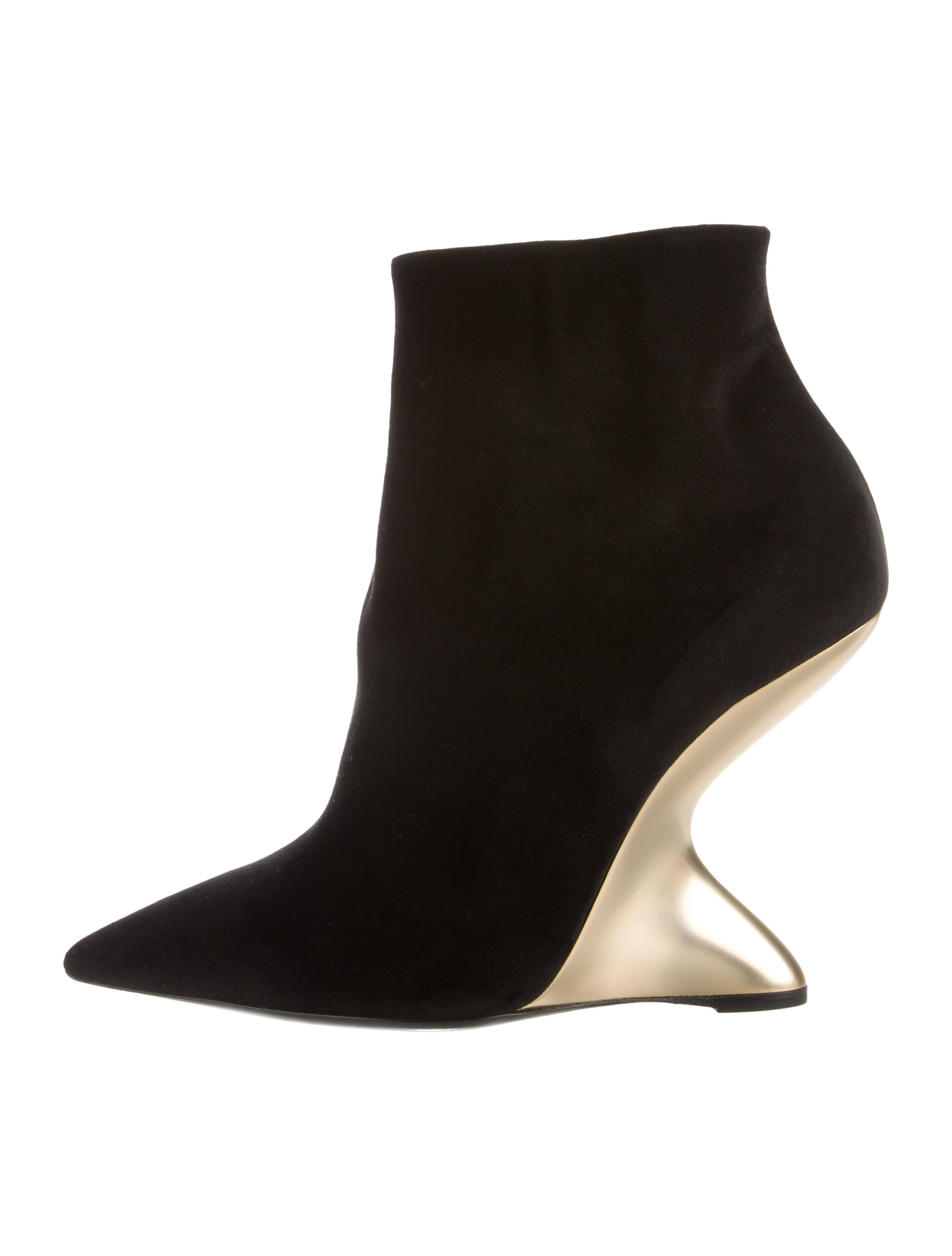 nicekicks online Salvatore Ferragamo Pointed-Toe Velvet Ankle Boots w/ Tags free shipping fast delivery DAVdDl6