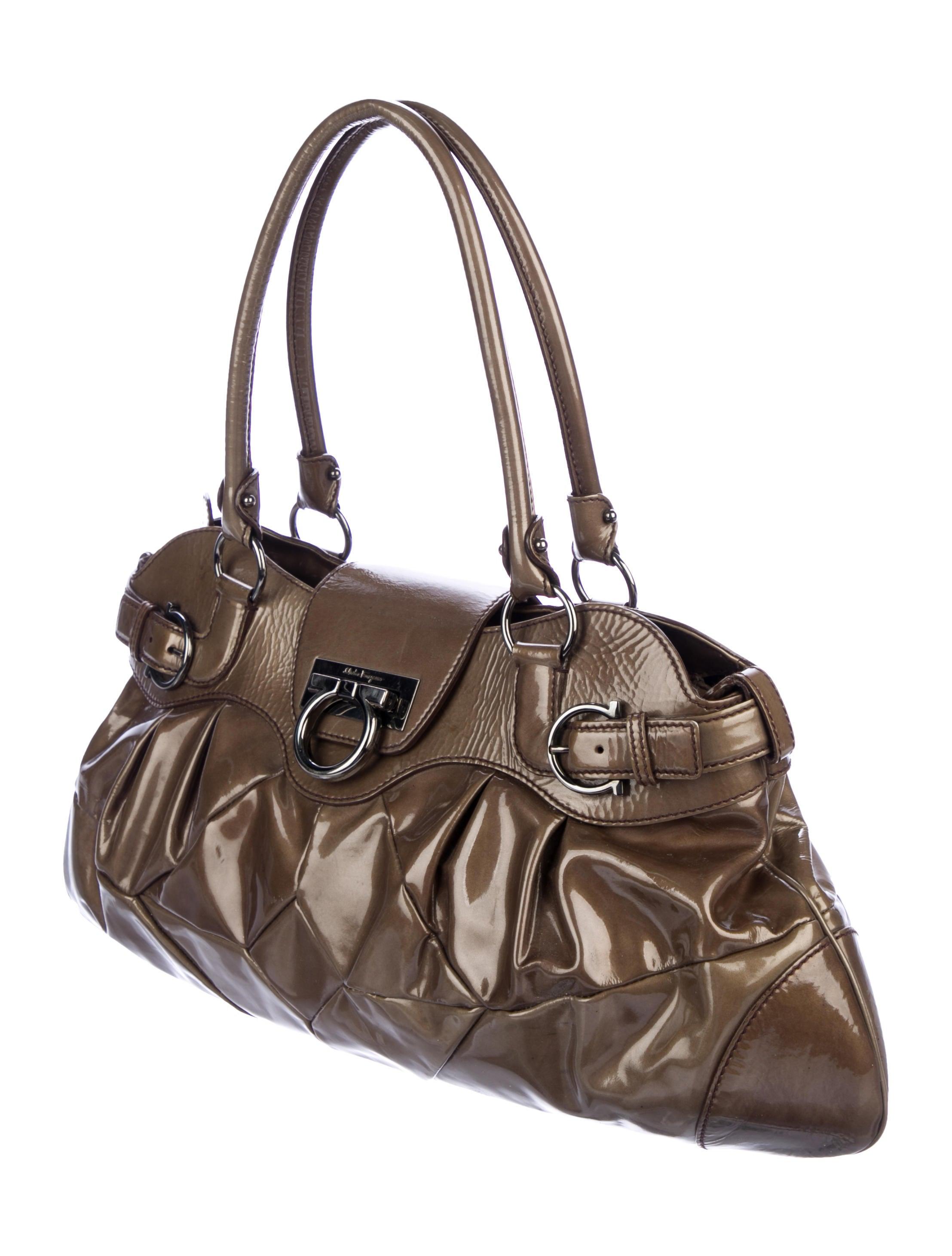 d700059ba883 ... Bag Limited Ferragamo Patent Leather Shoulder Salvatore Edition YHxppw  ...