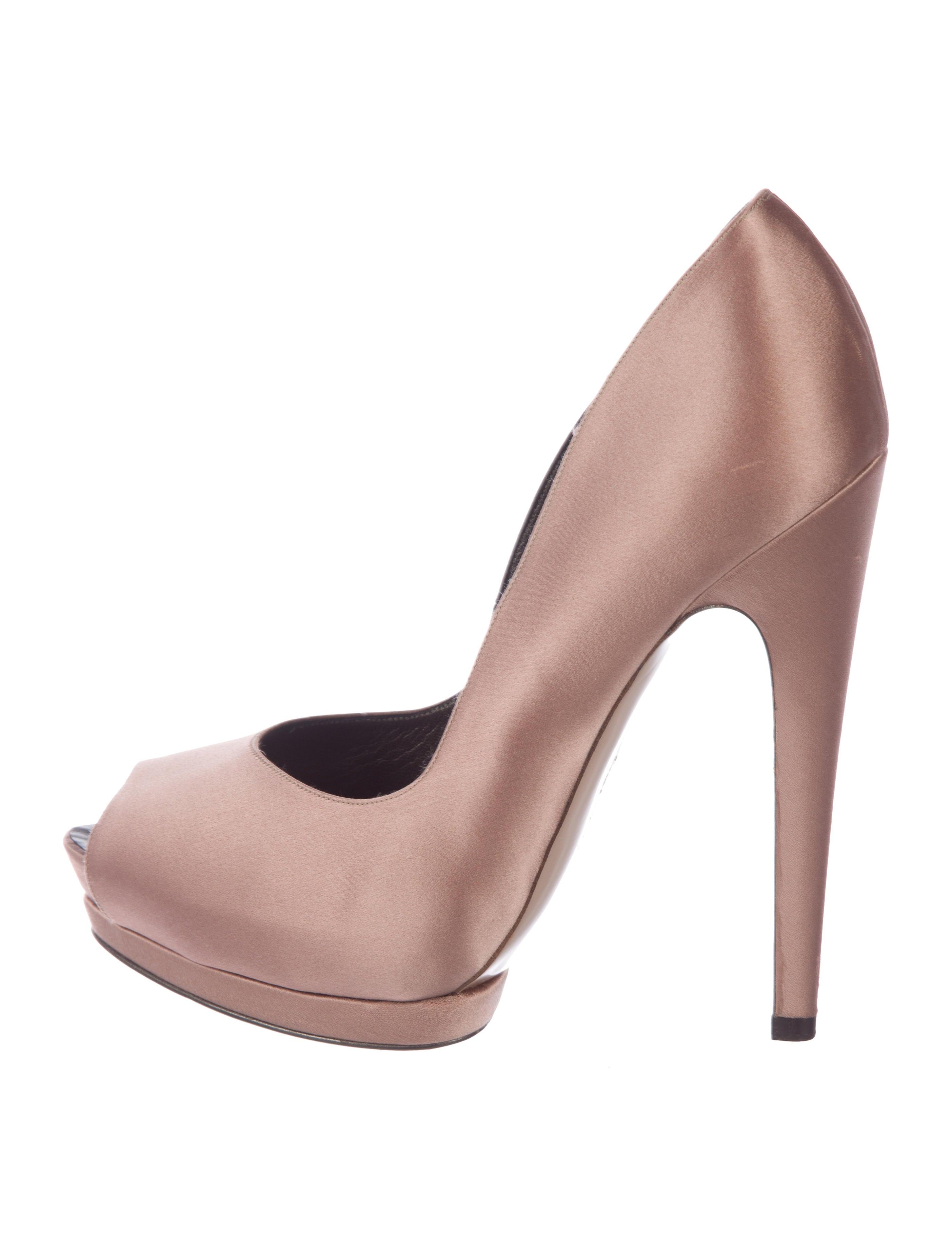 b936753b738 Salvatore Ferragamo Satin Peep-Toe Pumps - Shoes - SAL93931