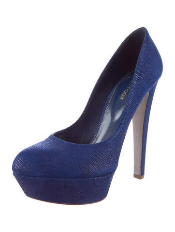 Embossed Platform Pumps