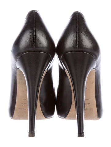 Leather Round-Toe Pumps