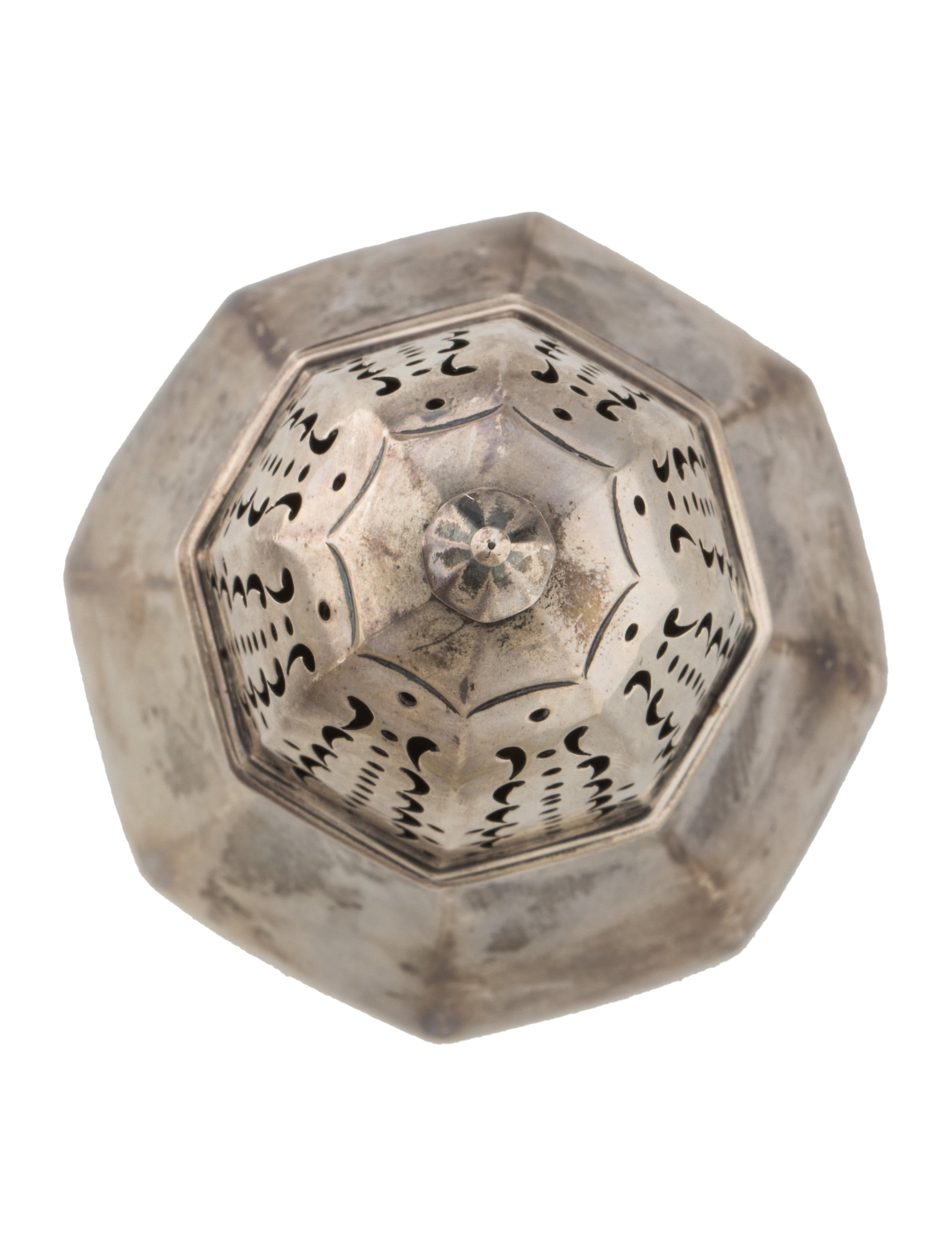 Sterling candle holder decor and accessories sil20255 for Artistic accents genuine silver decoration