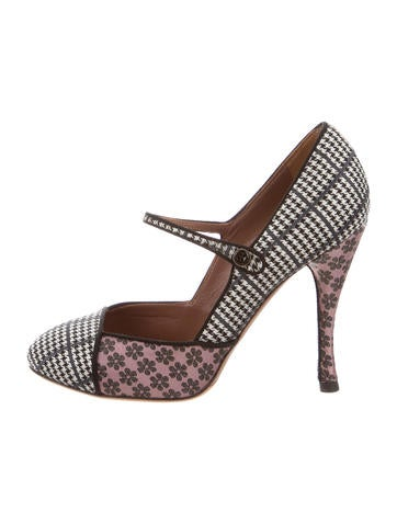 Houndstooth Mary Jane Pumps