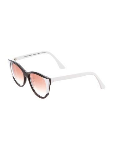 Flattery 29 Sunglasses