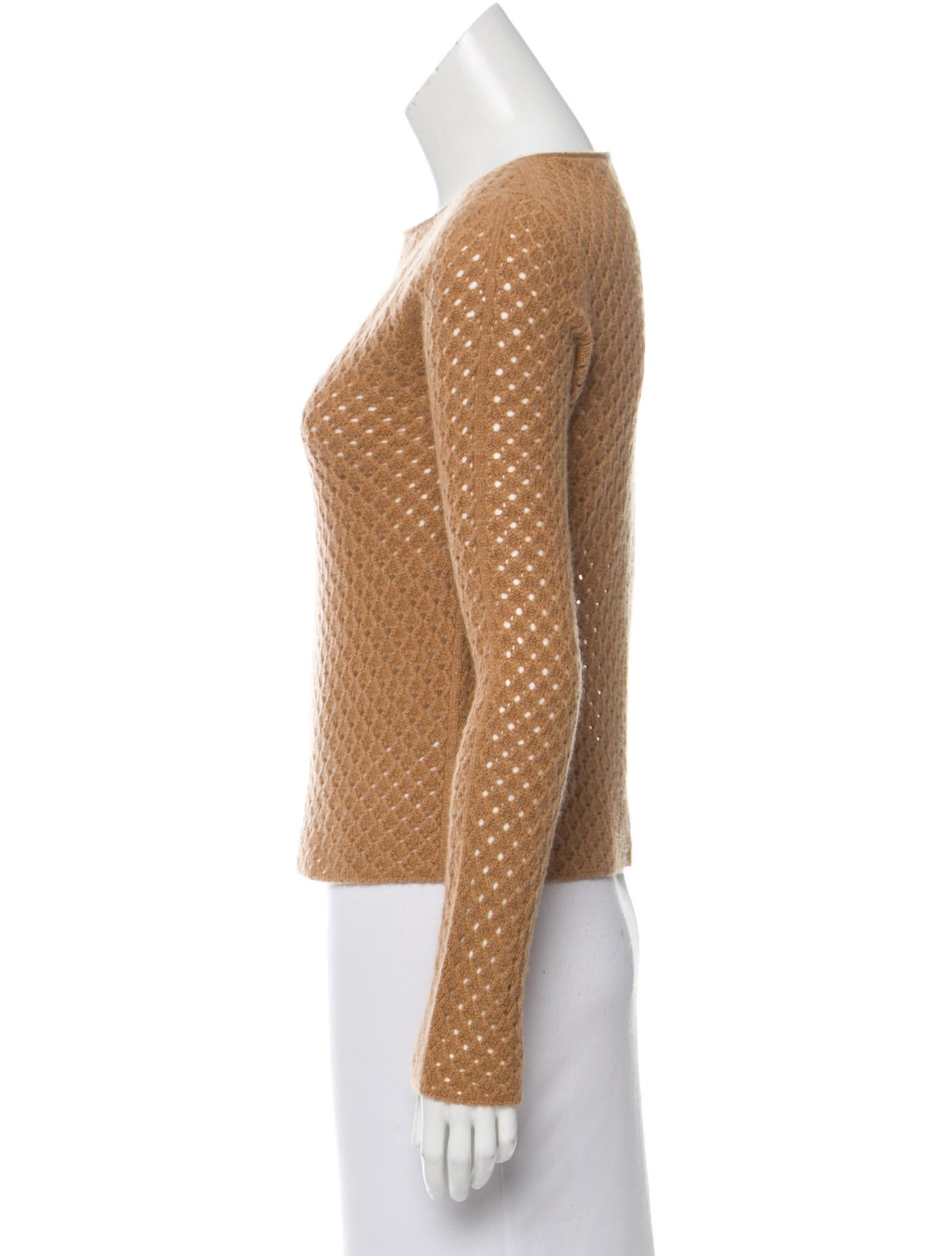 how to wear open knit sweater
