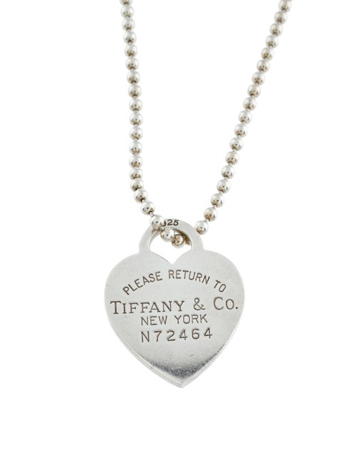 Tiffany & Co. Return to Tiffany Heart Charm on Tif