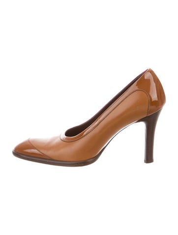 Tod's Leather Round-Toe Pumps None