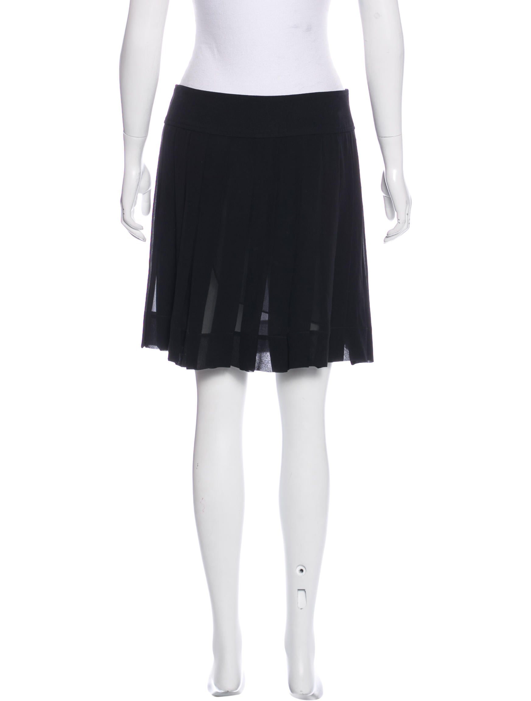 tod s mini pleated skirt clothing tod39024 the realreal