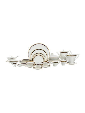 182-Piece Hutschenreuther Table Service None
