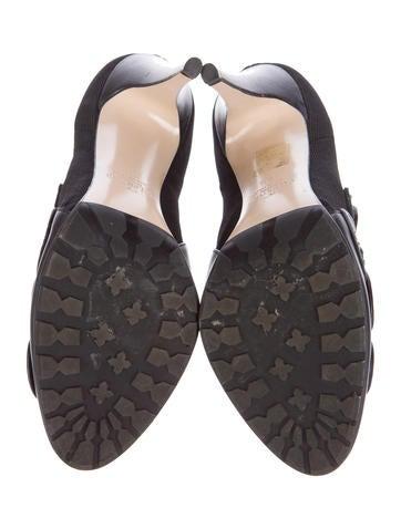 Flower Appliqué Ankle Boots