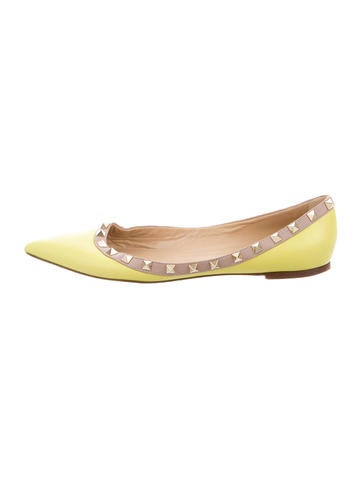 Valentino Leather Rockstud Flats None