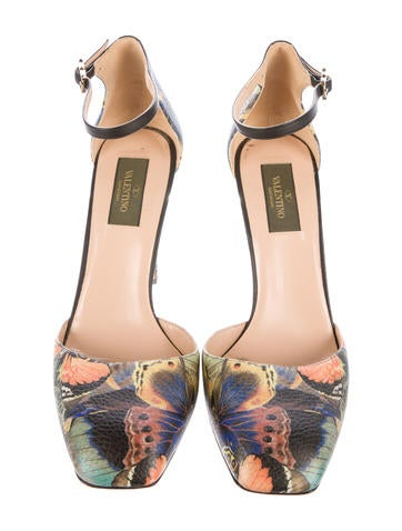 Rockstud Butterfly d'Orsay Pumps