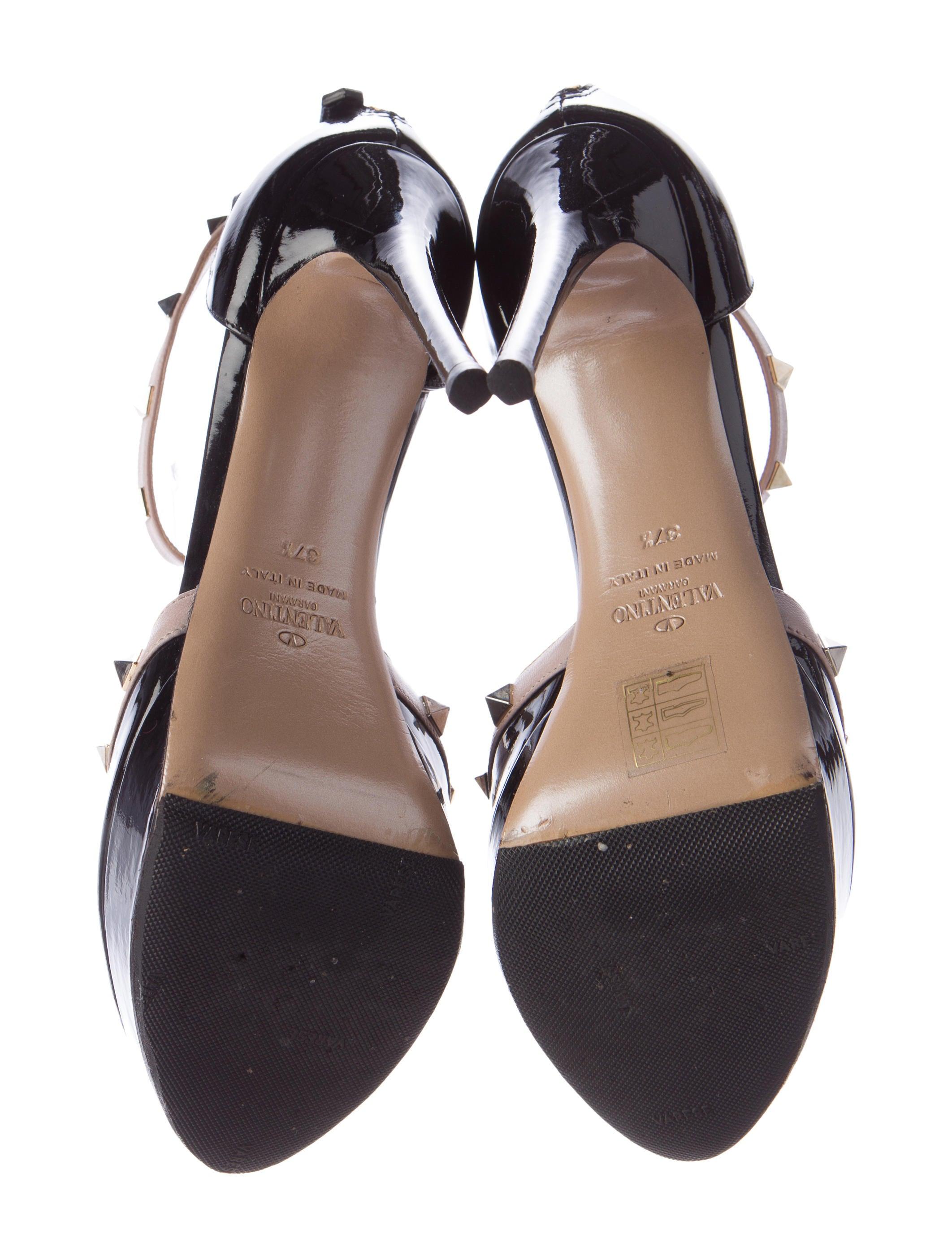 valentino rockstud t strap pumps shoes val53033 the realreal. Black Bedroom Furniture Sets. Home Design Ideas