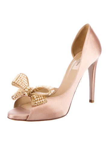 Satin Embellished Pumps