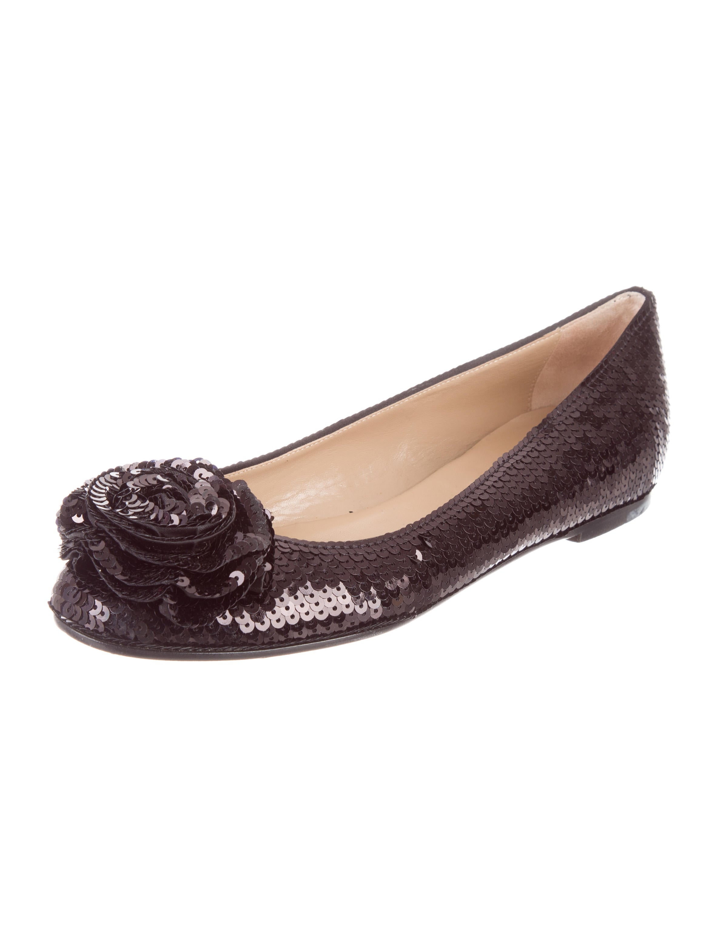 ASOS DESIGN Wide Fit Latch sequin pointed ballet flats. £ ASOS DESIGN Wide Fit Milestone loafer flat shoes in leopard. £ New Look Ballerina Flat. £ RAID Viera Black Snaffle Detail Flat Shoes. £ New Look Suedette Bow Ballet Pump. £ New Look Metal Ring Detail Loafers.