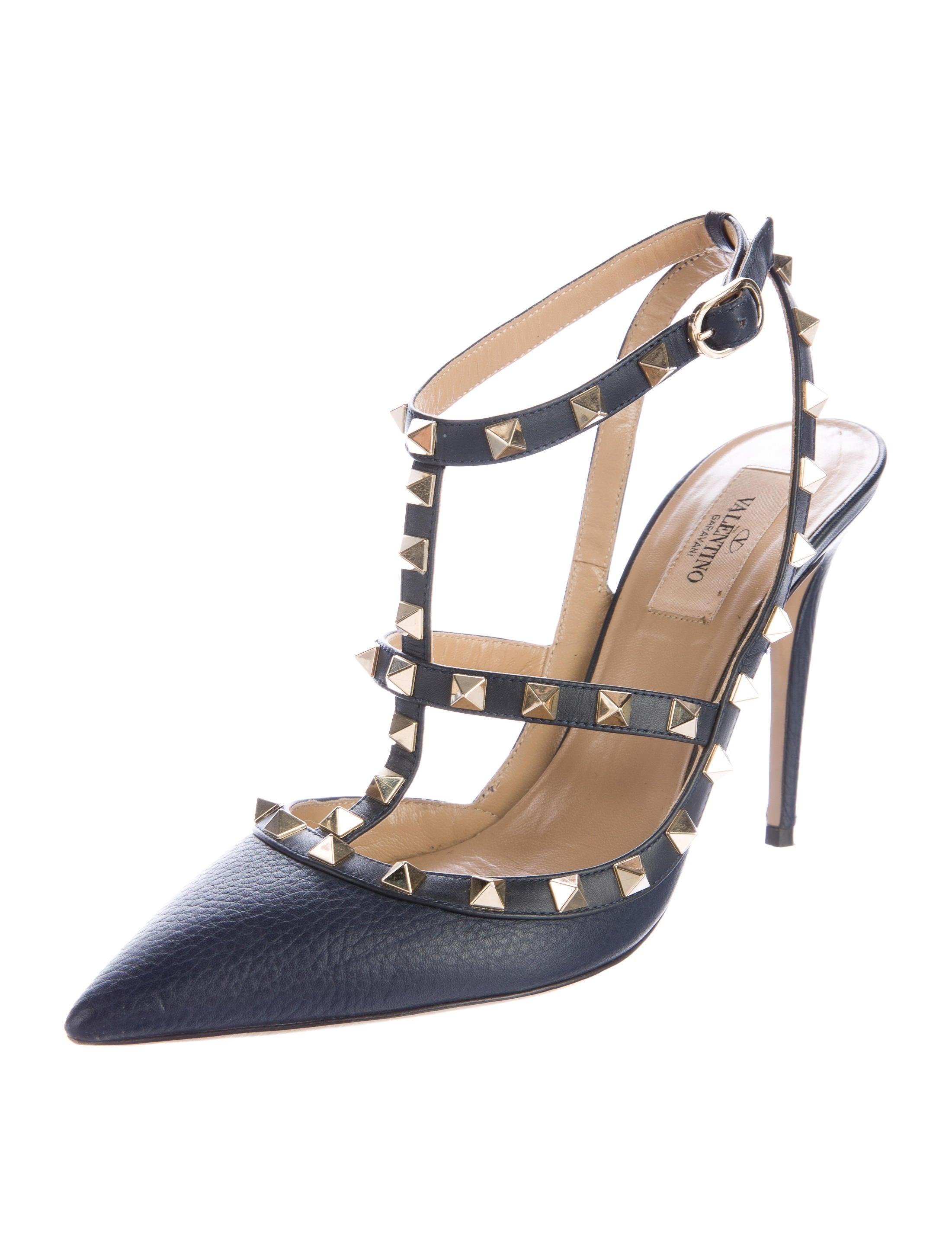 valentino rockstud pointed toe pumps shoes val64336. Black Bedroom Furniture Sets. Home Design Ideas