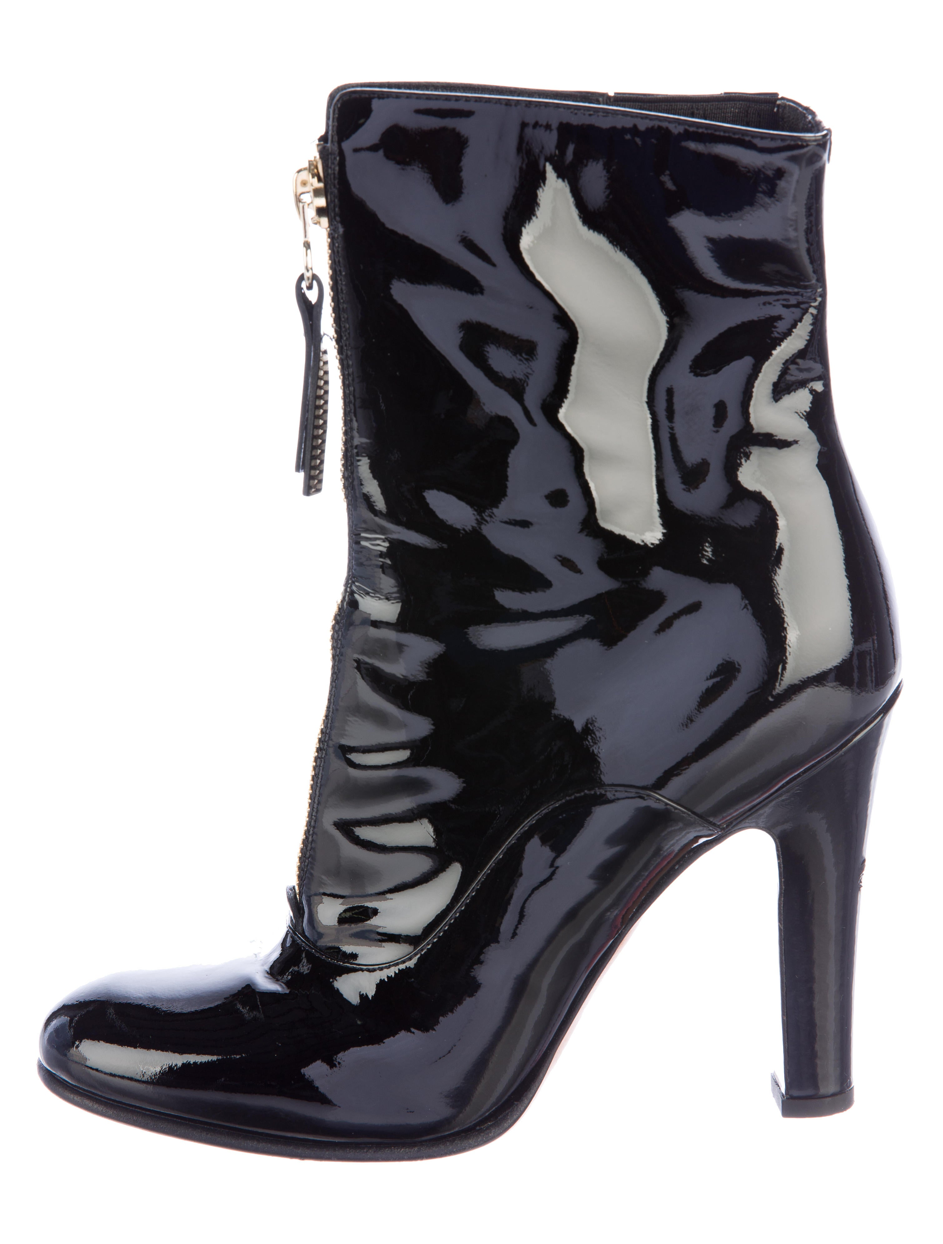 Find black patent ankle boots at ShopStyle. Shop the latest collection of black patent ankle boots from the most popular stores - all in one place.