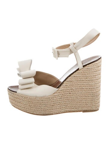 Valentino Rockstud Bow Wedges None