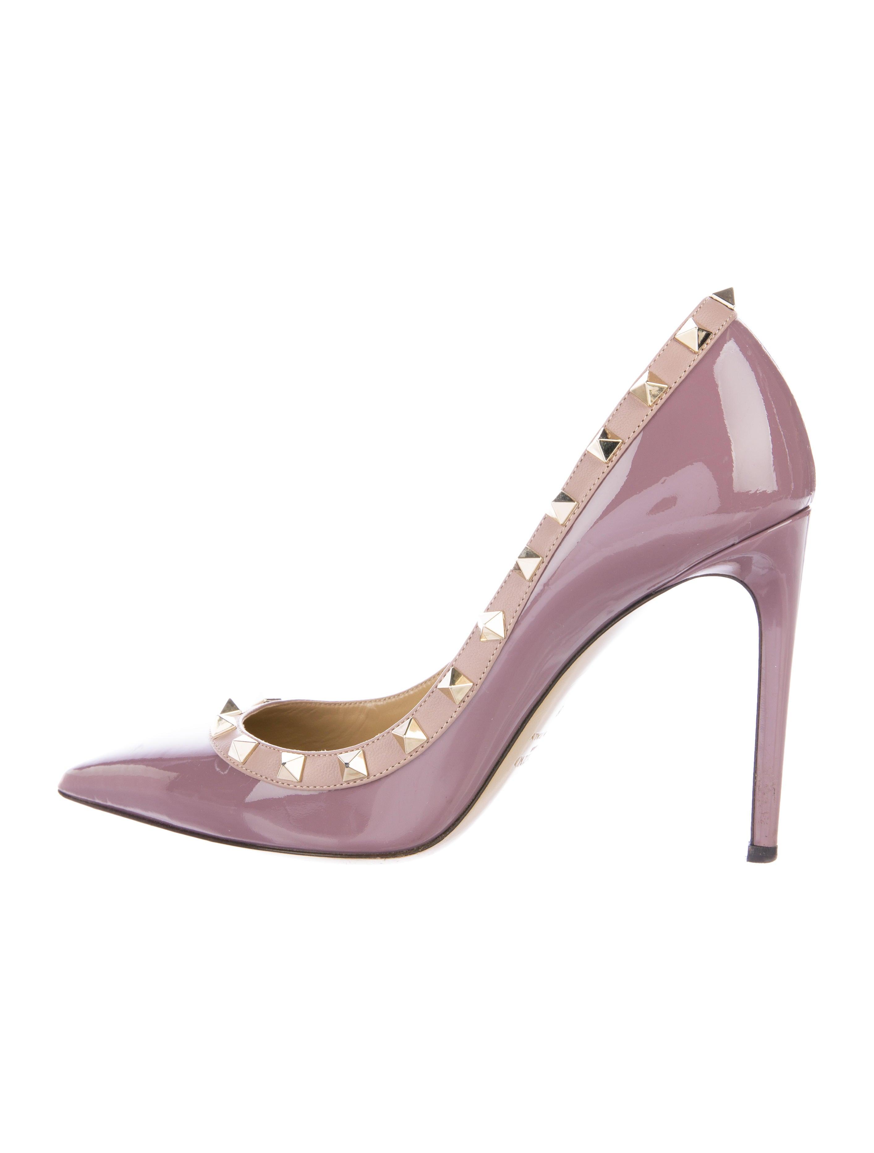 valentino patent leather pump rockstud shoes val72136. Black Bedroom Furniture Sets. Home Design Ideas