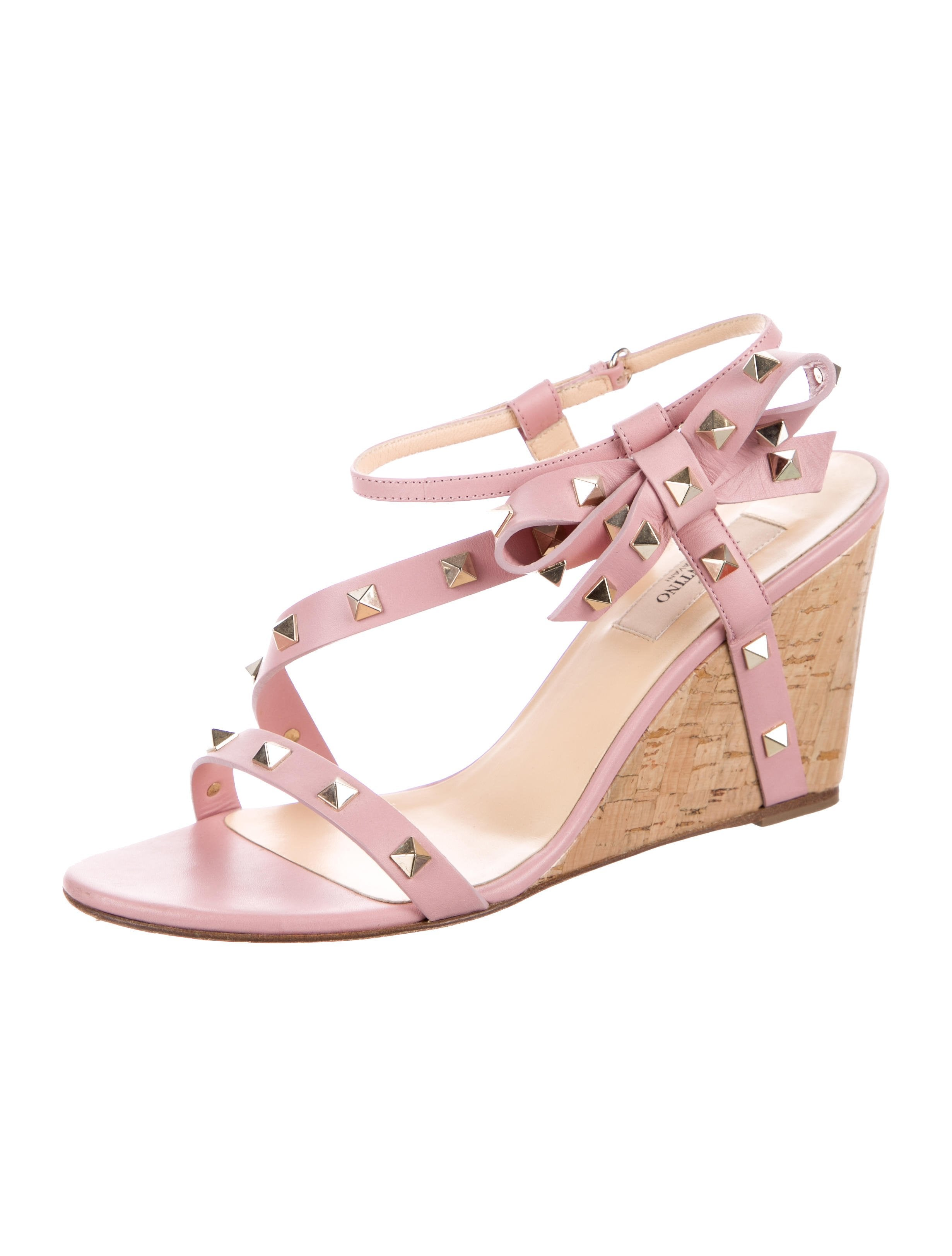 Valentino Bow-Accented Rockstud Wedges cheap sale visit new oCDIq5DXDr