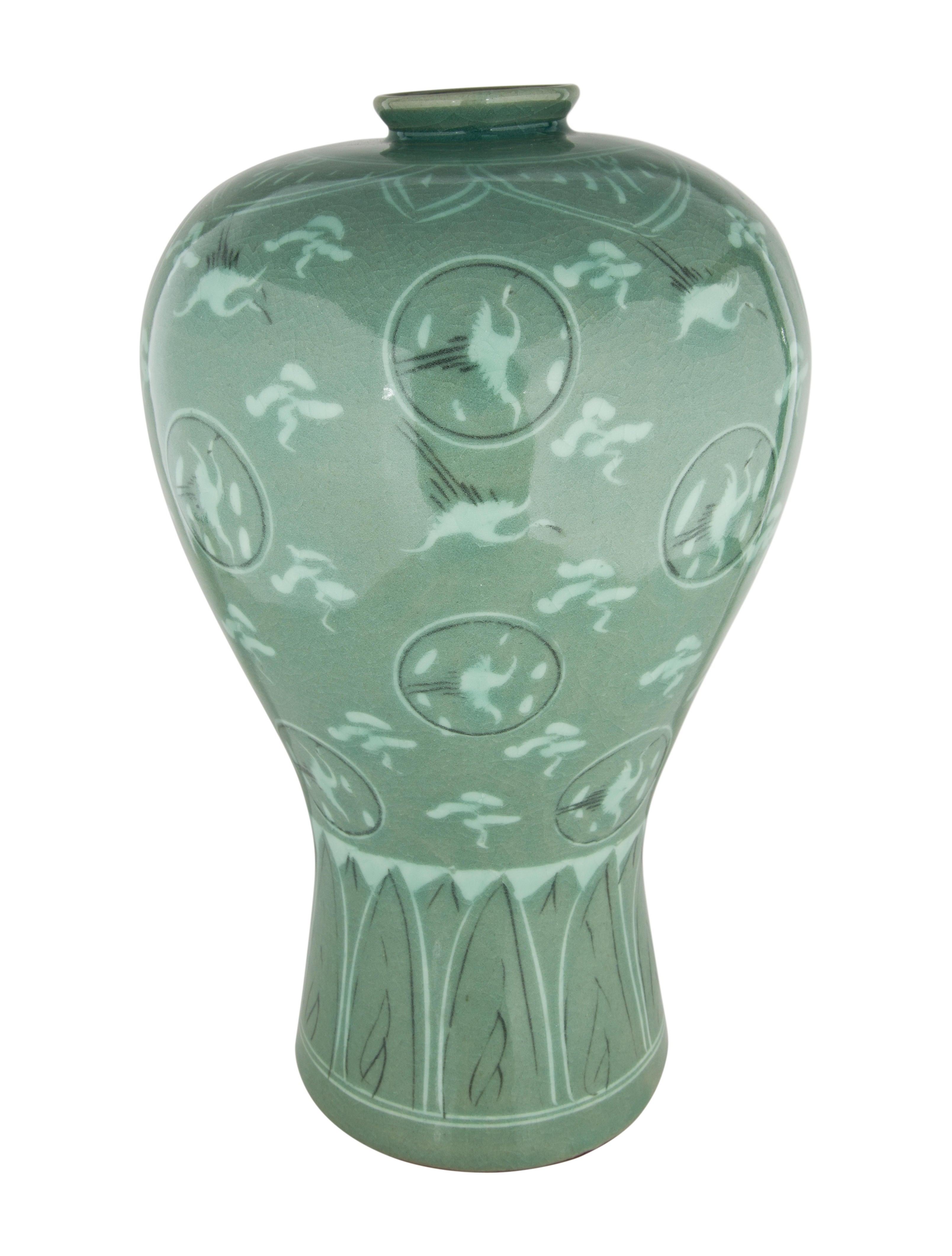 asian crane flower vase decor and accessories. Black Bedroom Furniture Sets. Home Design Ideas