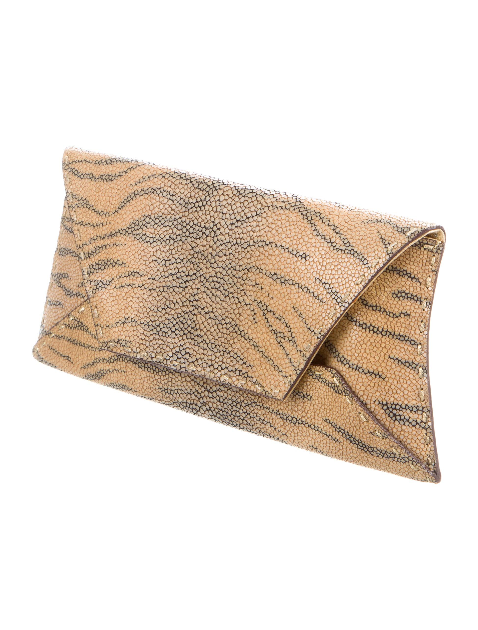 Vbh Stingray Manila Clutch Handbags Vbh20741 The Realreal