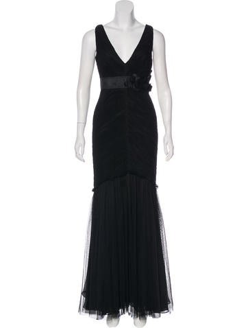 Vera Wang Ruched Evening Gown None