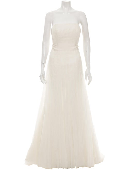 Vera Wang Strapless Tulle Gown