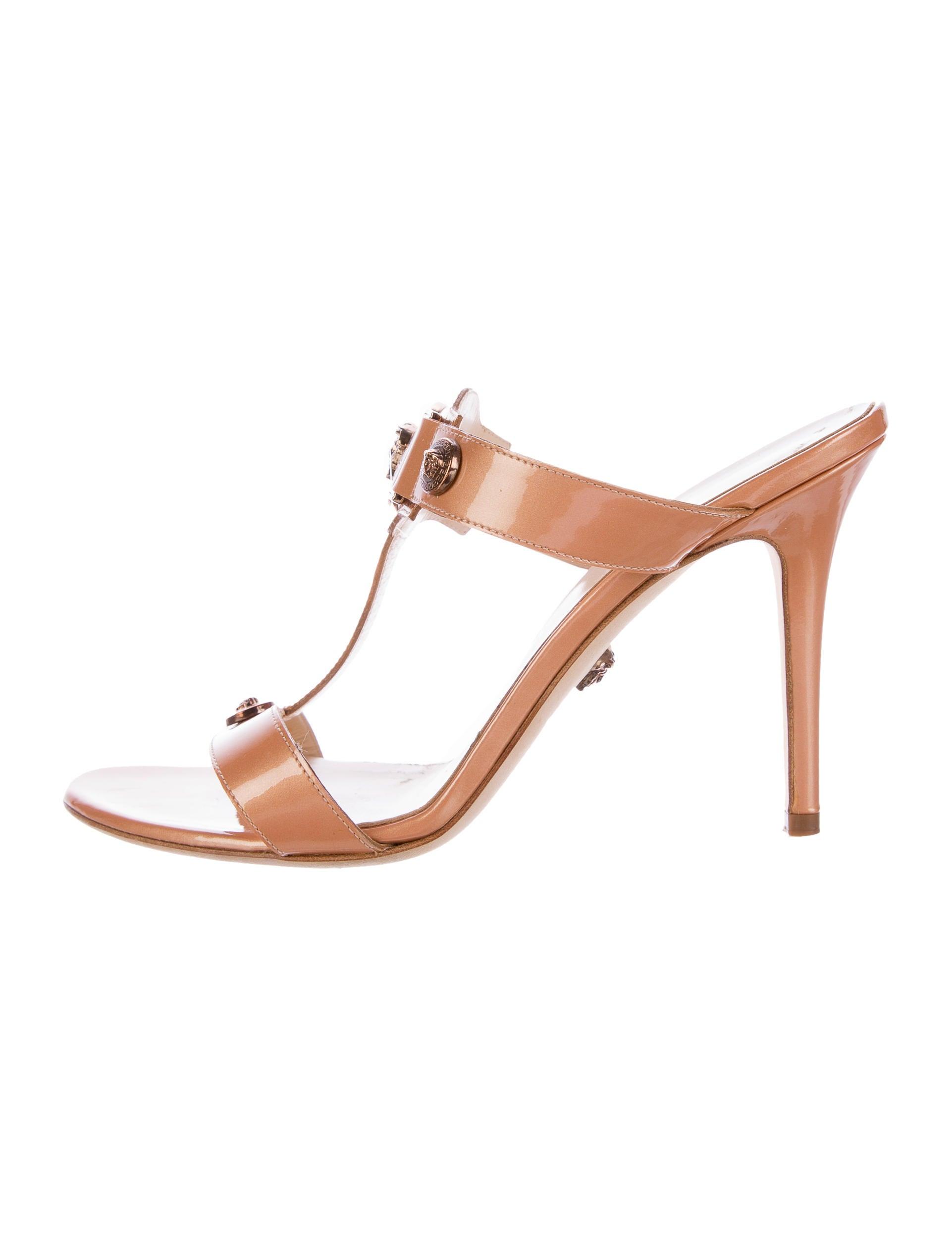 Versace Logo Slide Sandals - Shoes - VES29198 | The RealReal